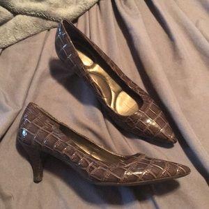 Shiny Brown Block Patterned Heels